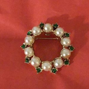 Jewelry - Faux Pearl Brooch with Green Rhinestones